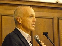 Ian Roberts giving inugural Ashlyns Lecture